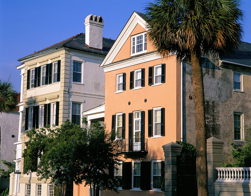 Early 19th century town houses, historic centre, Charleston, South Carolina, United States of America, North America