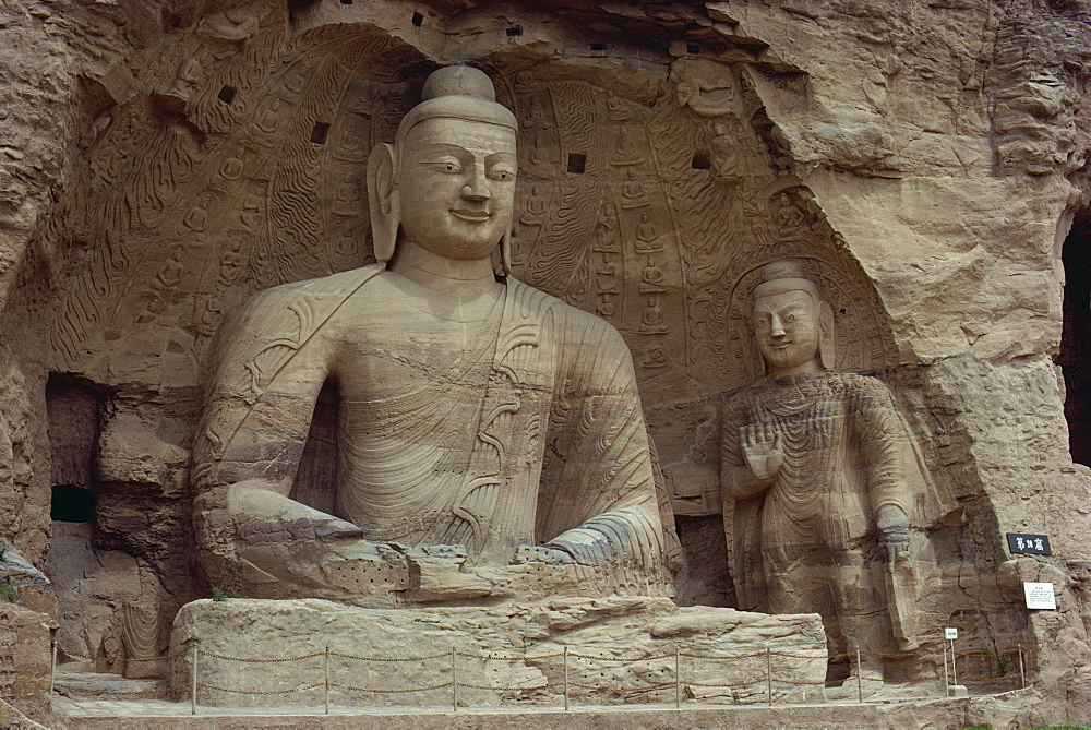 Stone carved Buddha and Bodhisattva, Cave No.20, Yun Kang Caves, UNESCO World Heritage Site, China, Asia