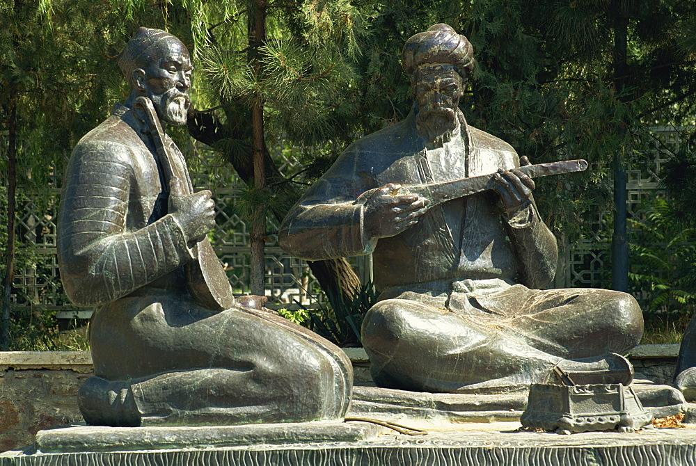 Statue of Uzbek musicians, Samarkand, Uzbekistan, Central Asia, Asia
