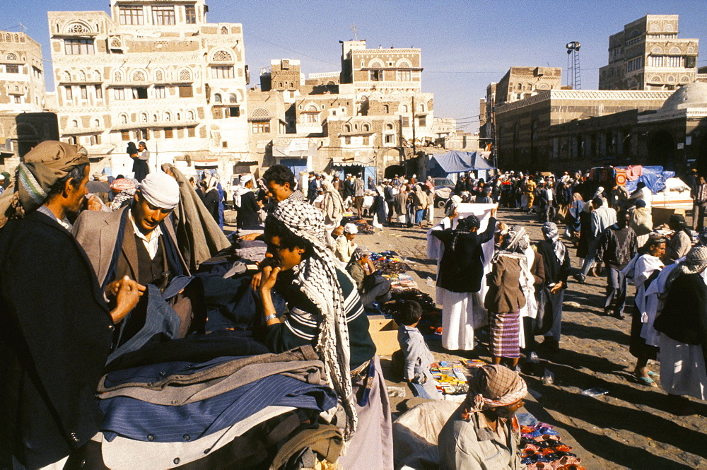 Main souk, Old city, Sana'a (San'a), Yemen, Middle East