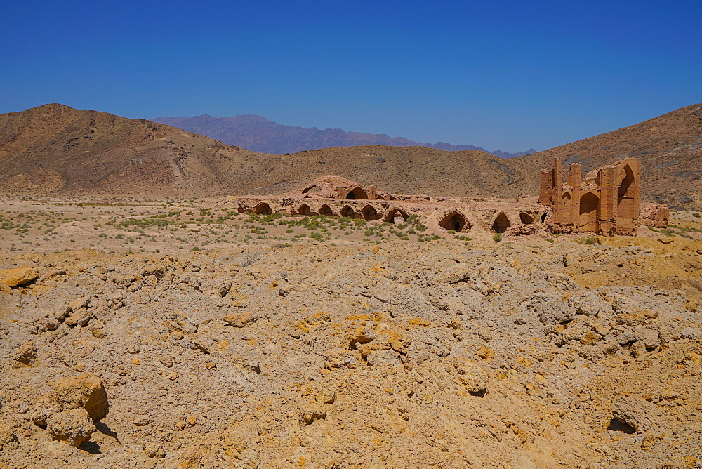 Ruined caravanserai on old Silk Route, near Natanz, Iran, Middle East