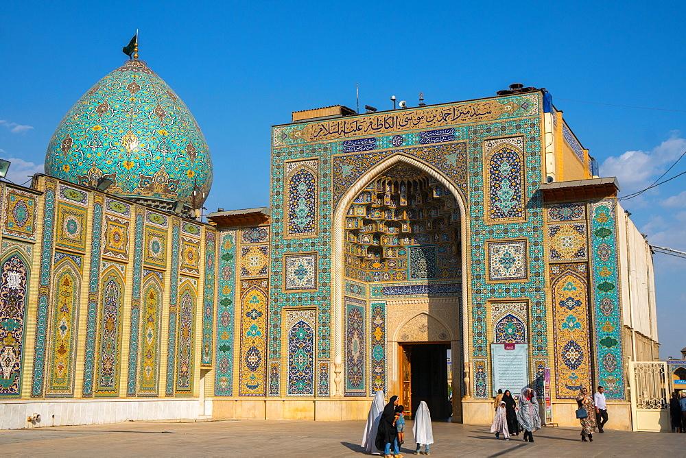 Main entrance, Aramgah-e Shah-e Cheragh (Mausoleum of the King of Light), Shiraz, Iran, Middle East