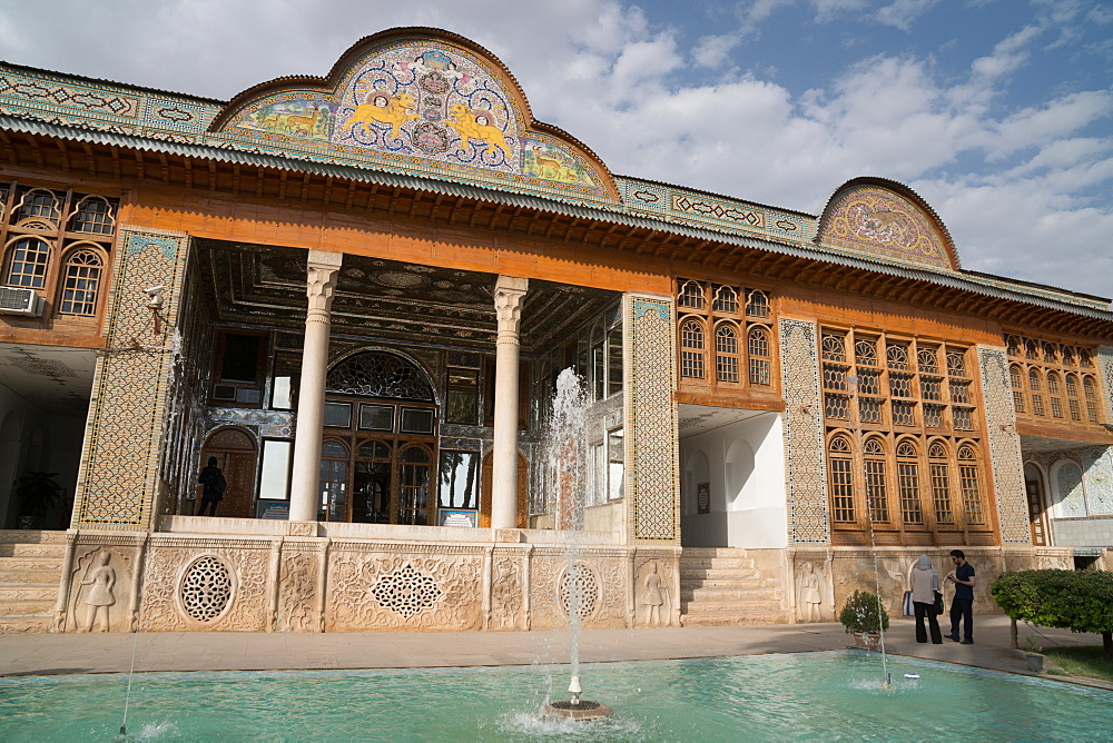 Pavilion in Bagh-e Narajestan (Citrus Garden), Shiraz, Iran, Middle East
