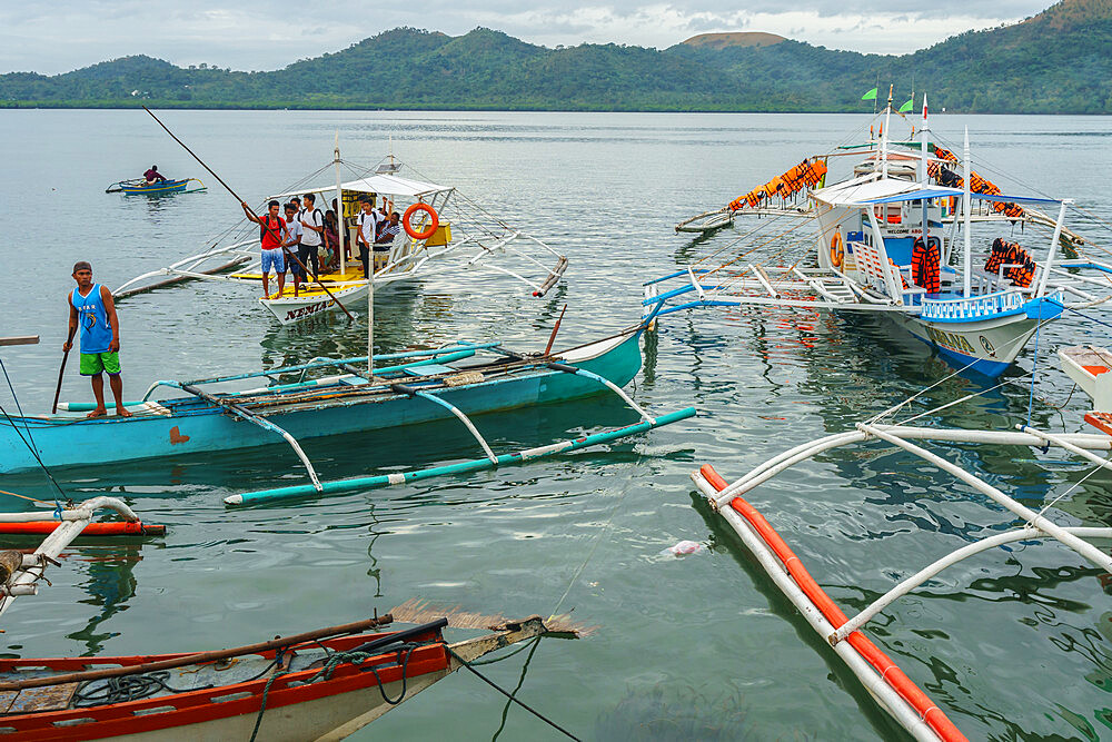 Early morning bangka taxis (outrigger canoes), Coron Harbour, Busuanga island, Philippines, Southeast Asia, Asia - 450-4319