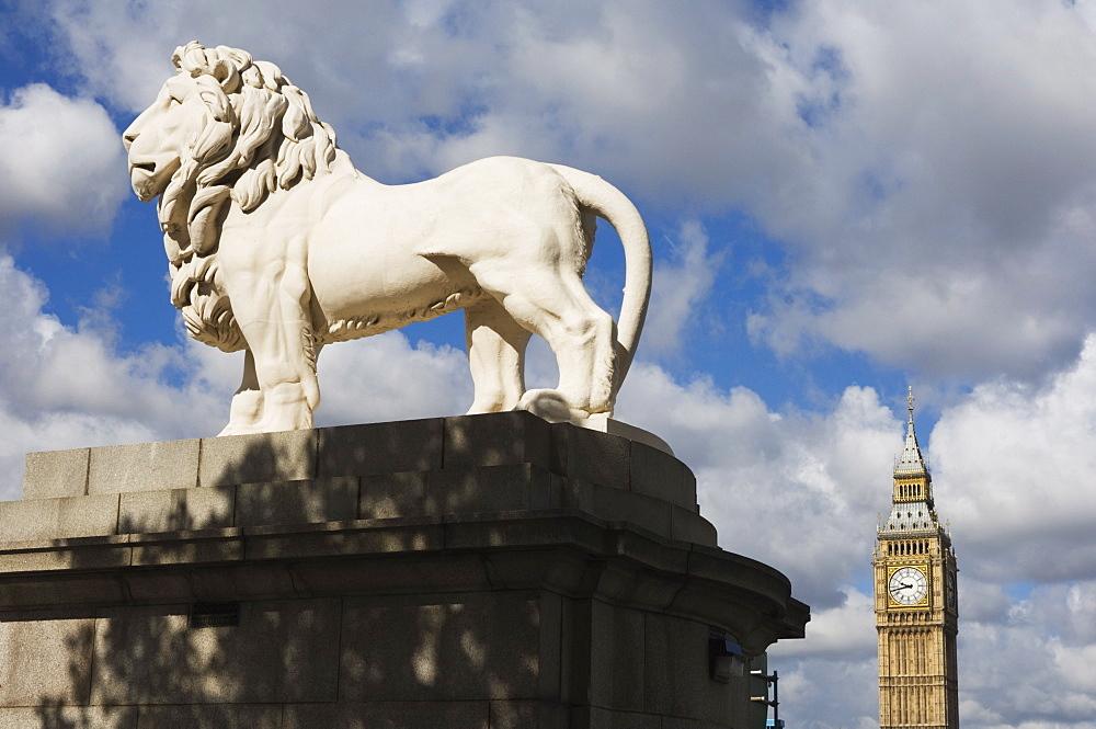 The Westminster Bridge Lion and Big Ben, Westminster, London, England, United Kingdom, Europe