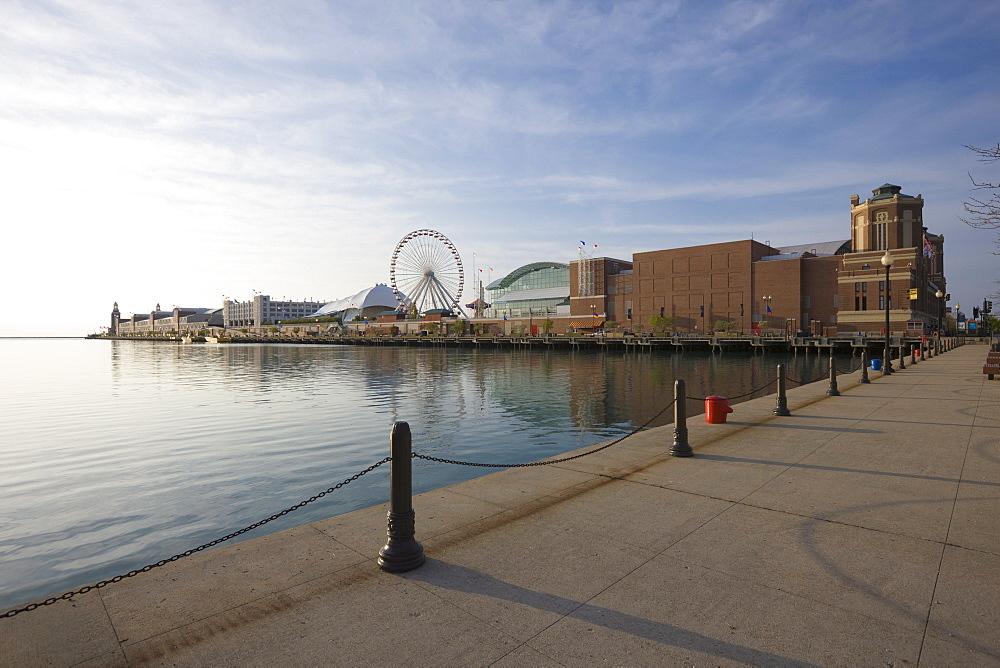 Navy Pier, Lake Michigan, Chicago, Illinois, United States of America, North America