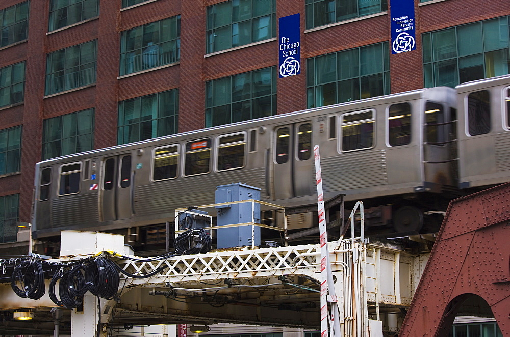 An El train on the Elevated train system, Chicago, Illinois, United States of America, North America