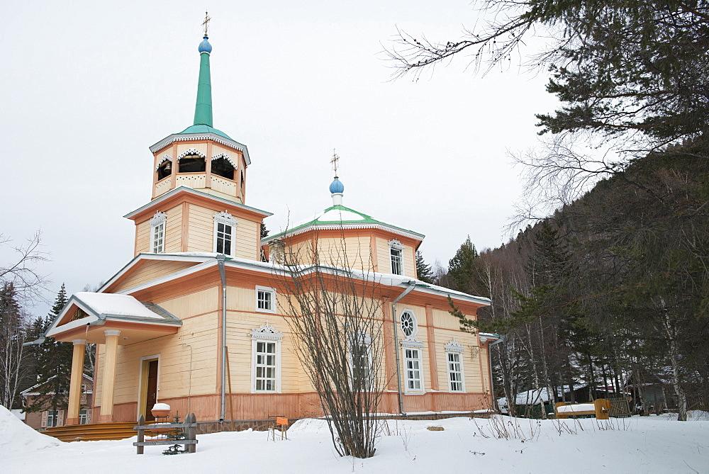 Church of St. Nicholas built by Russian merchant, Ksenofont Serebryakov, village of Listvyanka, Siberia, Russia, Eurasia