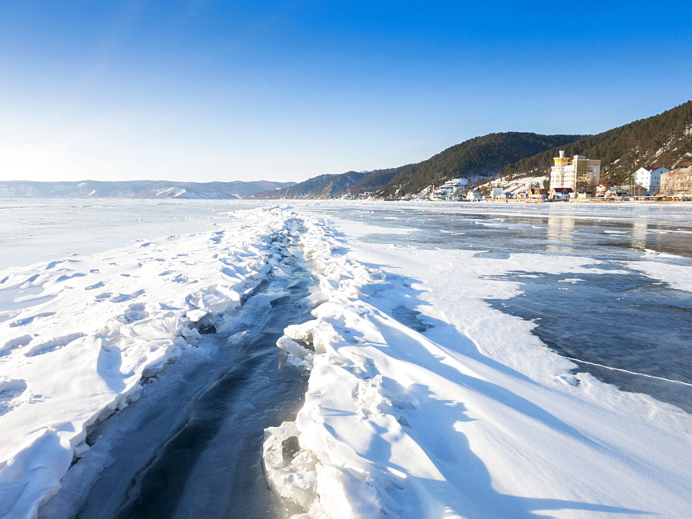 Ice crack in the surface of Lake Baikal that has opened and refrozen, Village of Listvyanka near Irkutsk, Siberia, Russia, Eurasia
