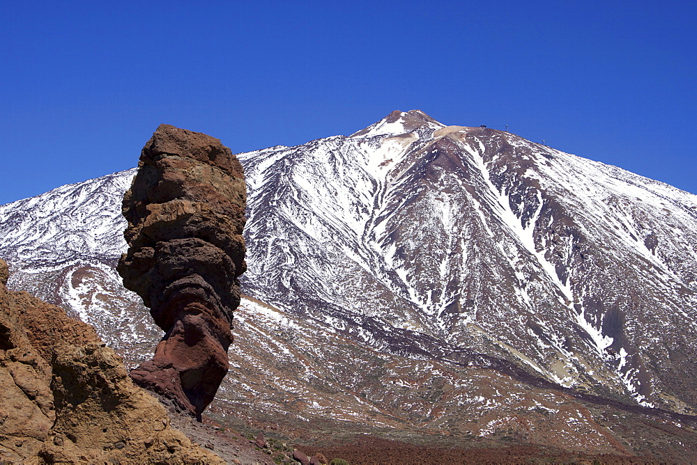 Los Roques and Mount Teide, Teide National Park, UNESCO World Heritage Site, Tenerife, Canary Islands, Spain, Europe