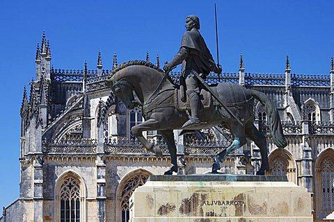 Statue of Nuno Alvares Pereira, Santa Maria da Vitoria Monastery, UNESCO World Heritage Site, Batalha, Portugal, Europe - 478-4778
