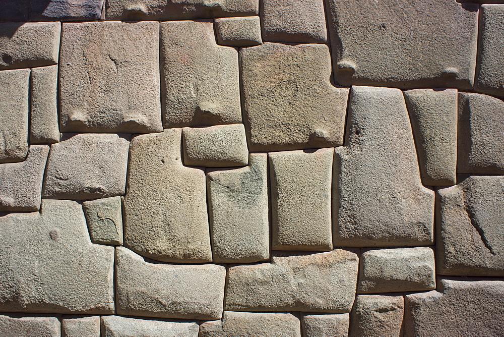 Magnificent Inca wall, Cuzco, UNESCO World Heritage Site, Peru, South America