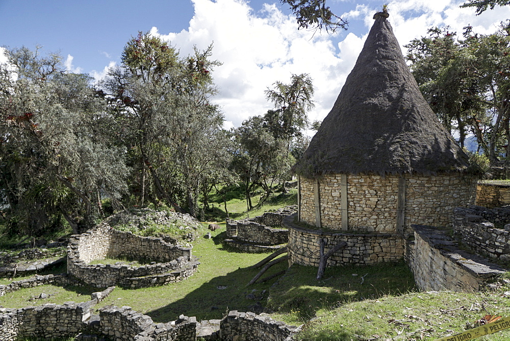 Kuelap, precolombian ruin of citadel city, Chachapoyas, Peru, South America - 483-1973