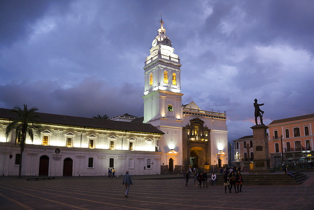 Santo Domingo Cathedral, UNESCO World Heritage Site, Quito, Ecuador, South America