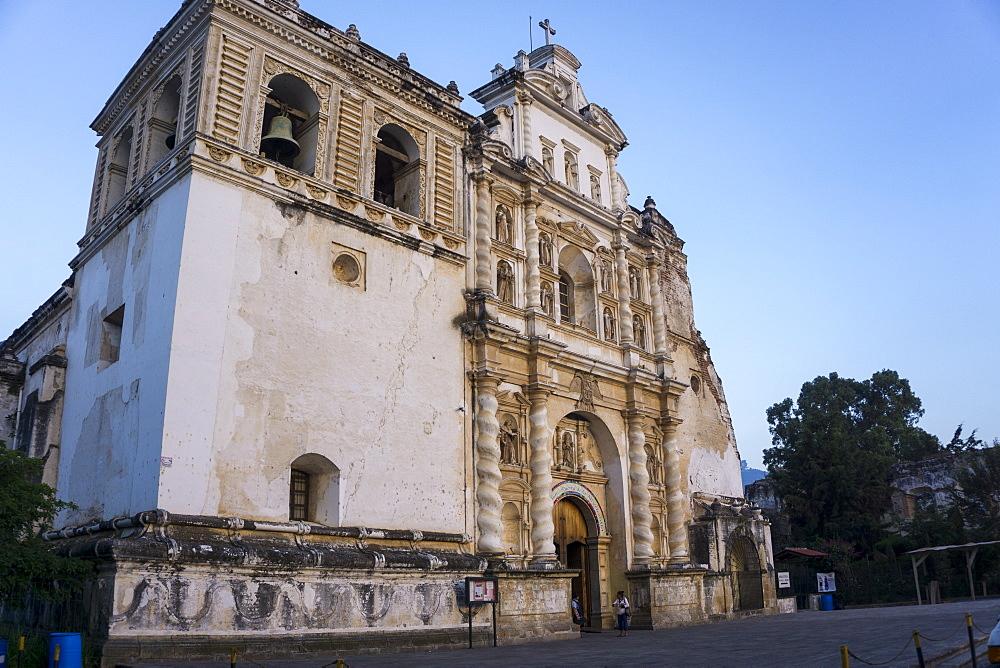 San Francisco church, Antigua, UNESCO World Heritage Site, Guatemala, Central America - 483-2000