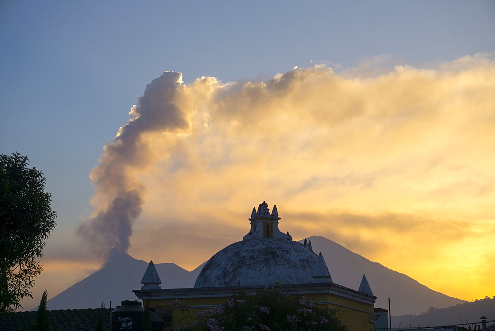 Vulcano Fuego from Antigua, UNESCO World Heritage Site, Guatemala, Central America