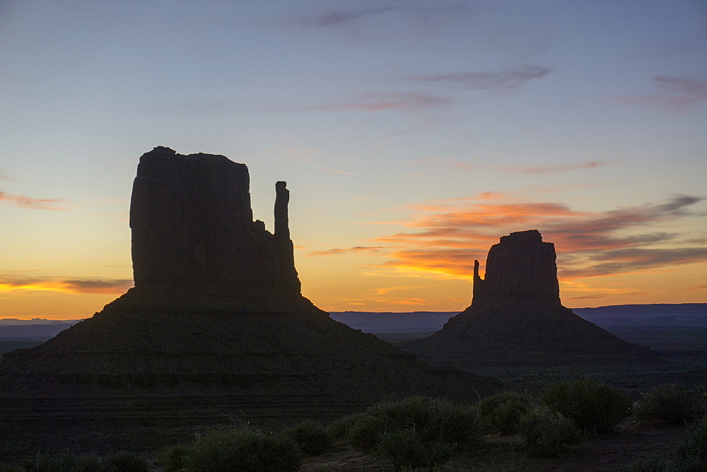 The Mittens West and East, Monument Valley, Arizona, United States of America, North America - 483-2087