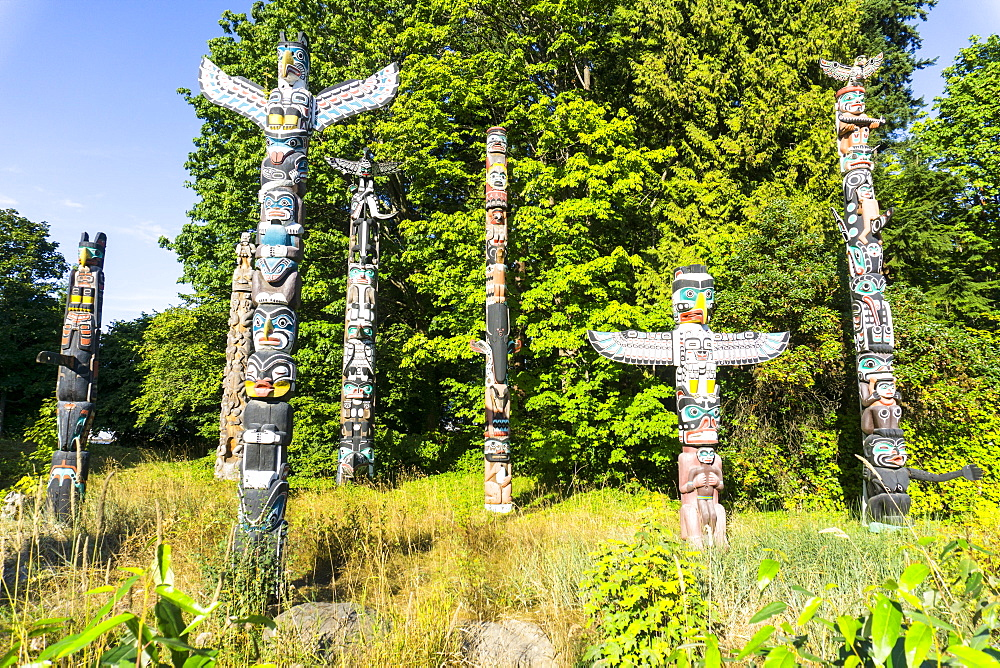 Totems, Stanley Park, Vancouver, British Columbia, Canada, North America - 483-2119