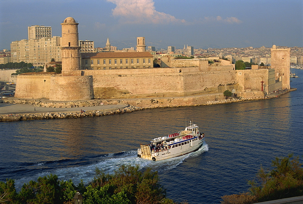 Ferry passing the old fortress, entering Marseille harbour, Bouches du Rhone, Provence, France, Europe