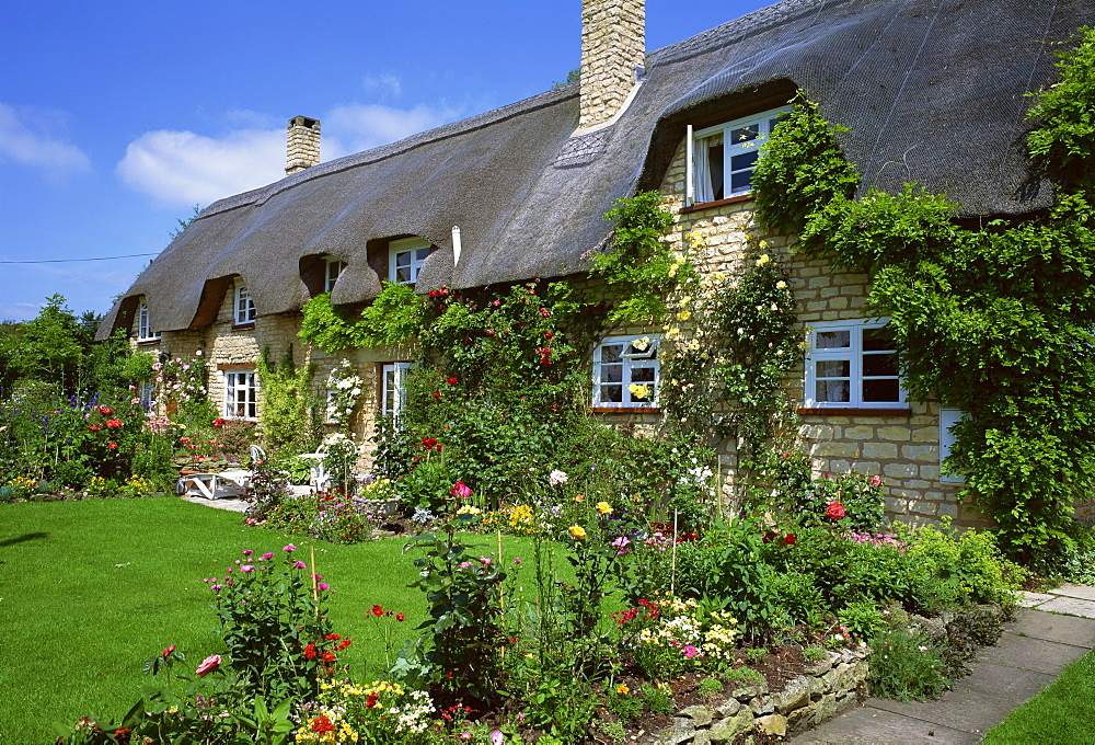 Thatched Cottage Gloucestershire The Cotswolds England United Kingdom Europe