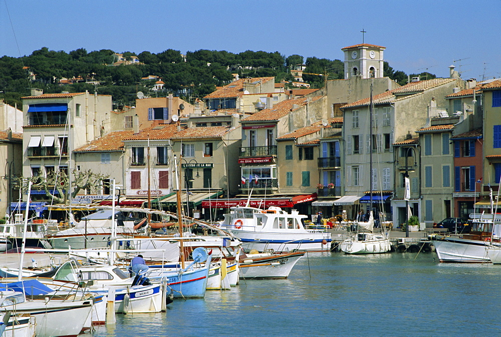 The harbour, Cassis, Provence, France, Europe