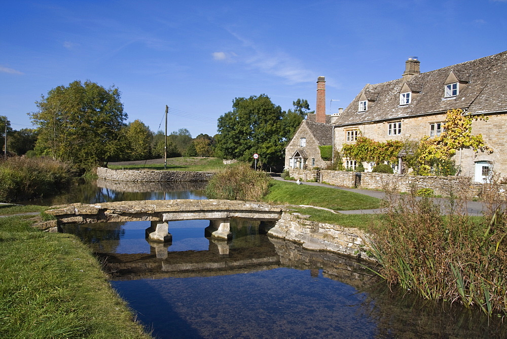 River Eye, Lower Slaughter village, The Cotswolds, Gloucestershire, England, United Kingdom, Europe - 485-9664