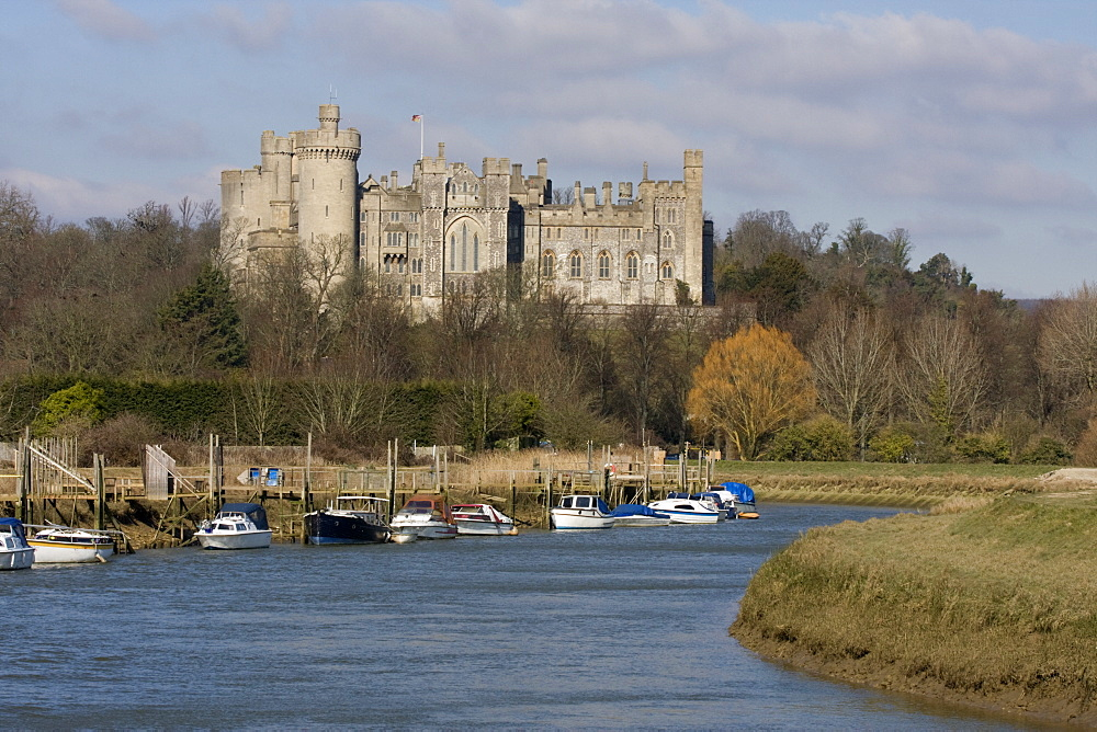 Arundel Castle and River Arun, West Sussex, England, United Kingdom, Europe - 485-9665