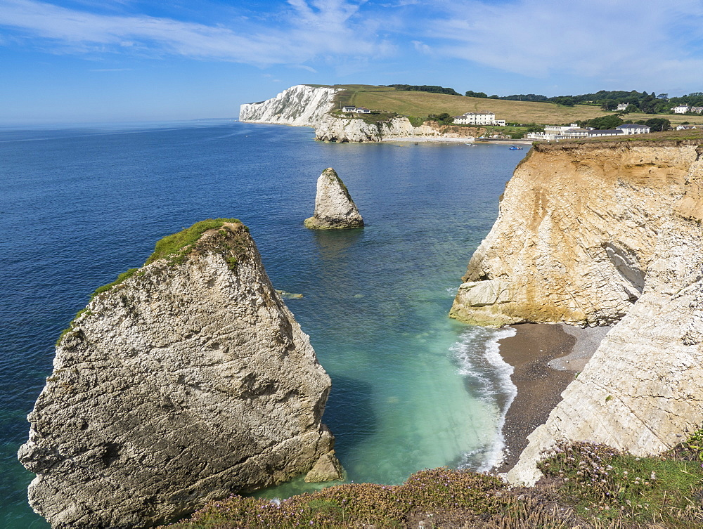 Freshwater Bay and chalk cliffs of Tennyson Down, Isle of Wight, England, United Kingdom, Europe - 485-9696