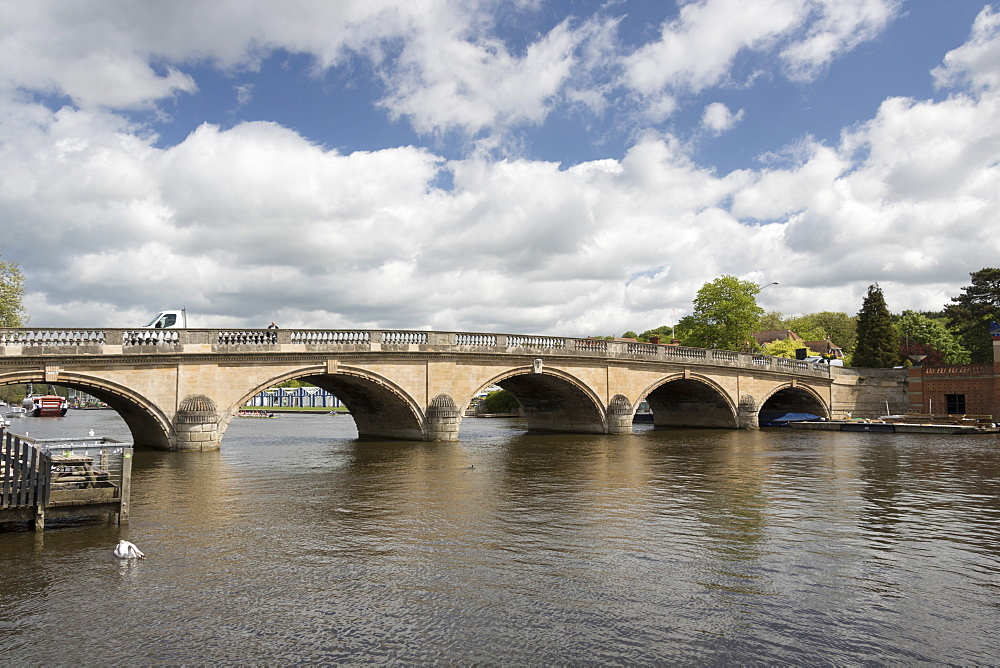 Bridge over the Thames, Henley on Thames, Oxfordshire, England, United Kingdom, Europe