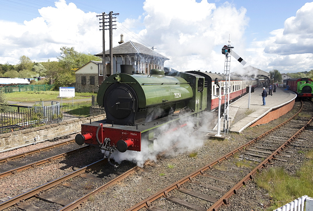 Steam engine 75254 pulling train out of Bo'ness Station, Bo'ness and Kinneil Railway, Scotland