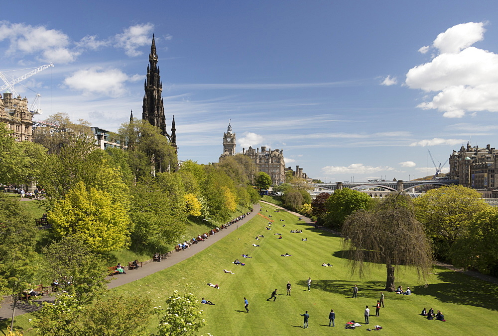 Scott Monument and Princes Street Gardens, Edinburgh, Scotland, United Kingdom, Europe
