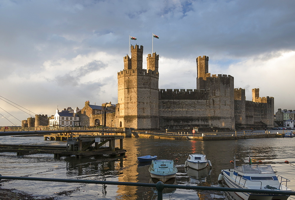 Caernarfon Castle, UNESCO World Heritage Site, Wales, United Kingdom, Europe - 489-1634