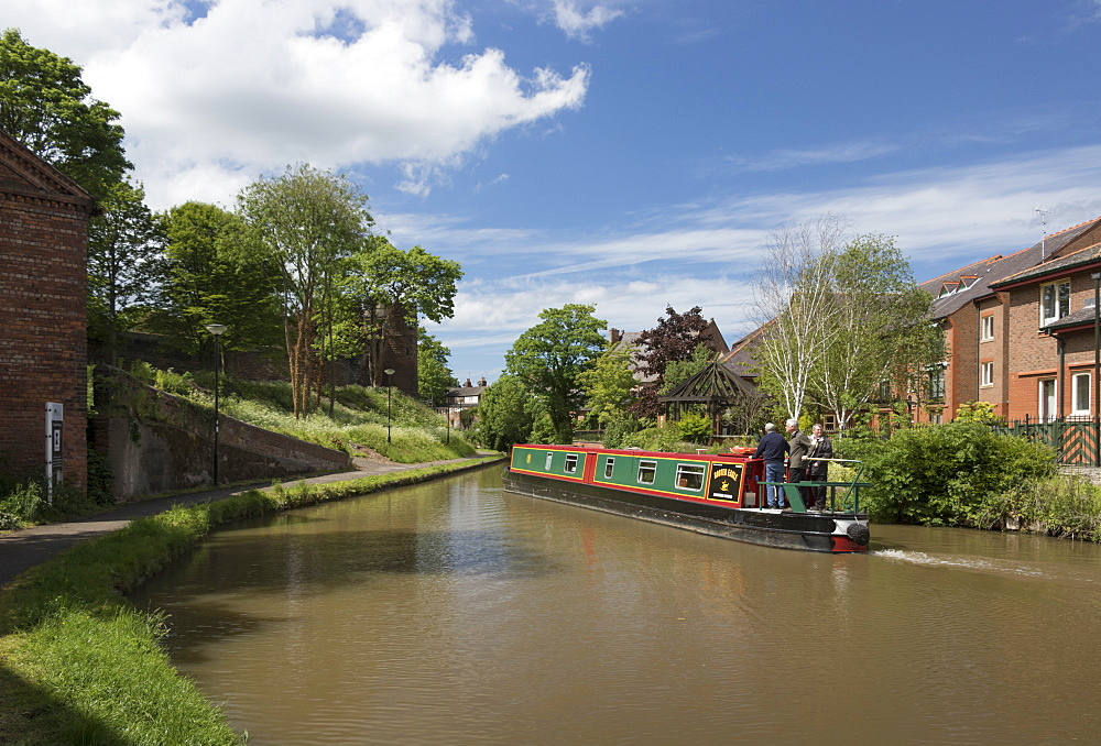 Shropshire Union Canal in Chester, Cheshire, England, United Kingdom, Europe - 489-1655