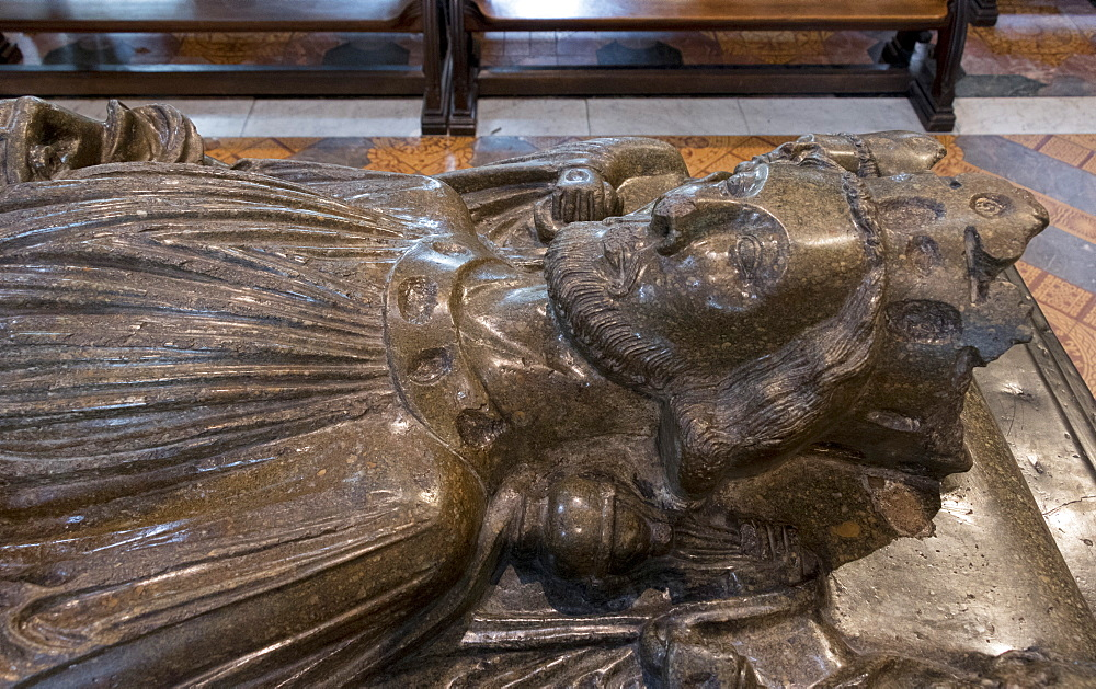 Effigy of King John, Worcester Cathedral, Worcester, England, United Kingdom, Europe - 489-1671