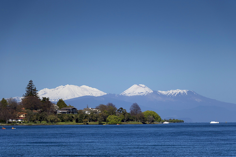 Mount Ruapehu, Ngauruhoe and Tongariro (active volcanoes) from Lake Taupo, North Island, New Zealand, Pacific - 489-1742