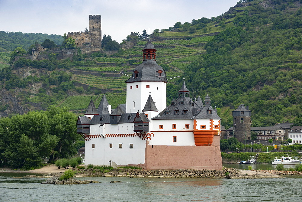 Pfalzgrafenstein Castle, Gutenfels Castle in background, near Kaub, River Rhine, Germany, Europe - 489-1780