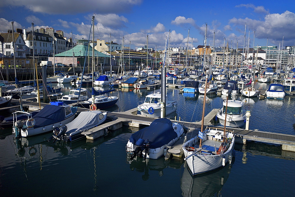 Sutton Harbour Marina, Plymouth, Devon, England, United Kingdom, Europe - 492-3560