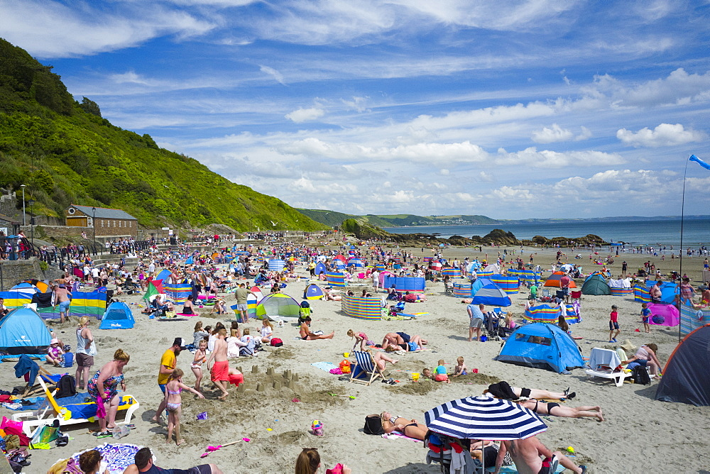 Looe beach, Cornwall, England, United Kingdom, Europe - 492-3610
