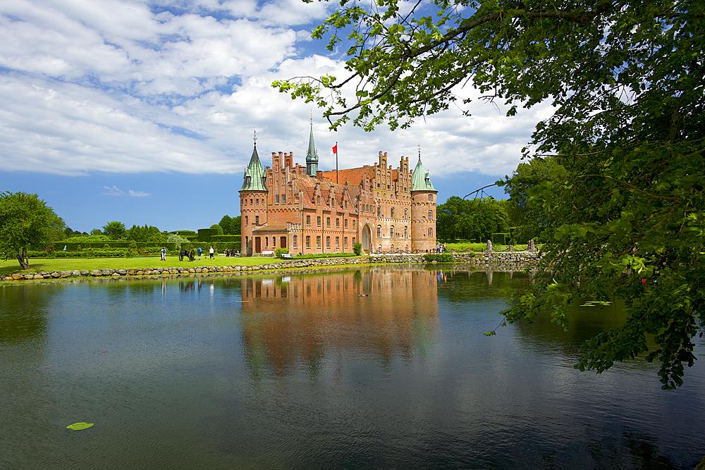 Egeskov Castle (Egeskov Slot), Funen, Denmark, Europe - 492-3629