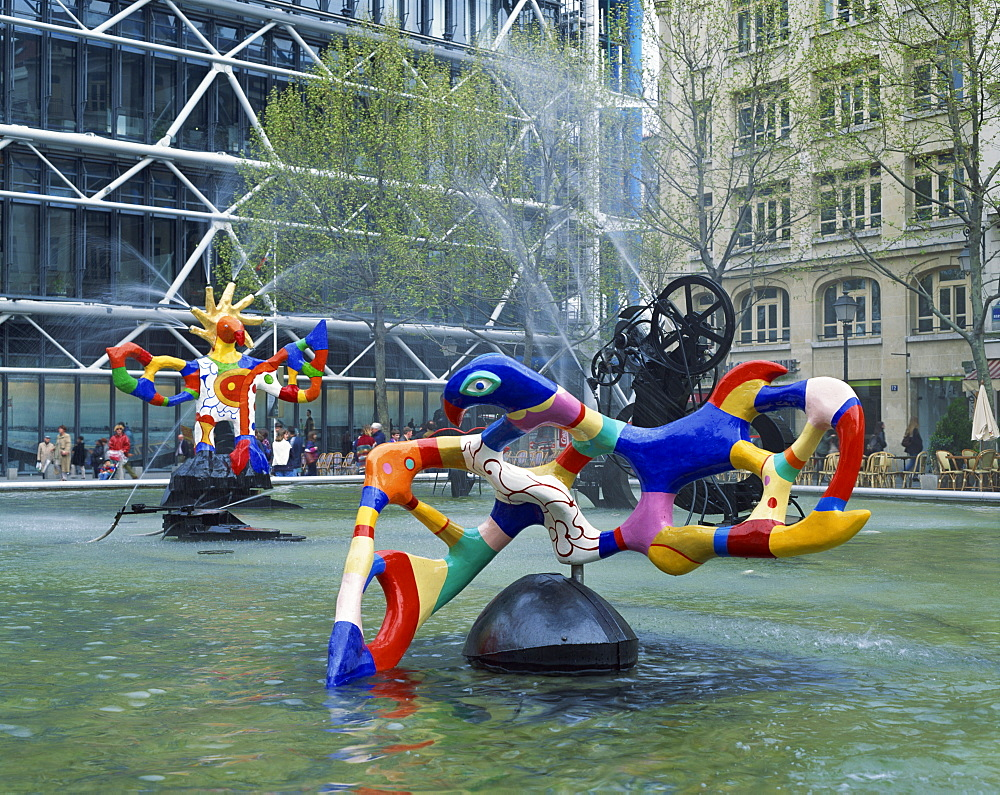 Colourful sculptures of the Tinguely Fountain, Pompidou Centre, Beaubourg, Paris, France, Europe