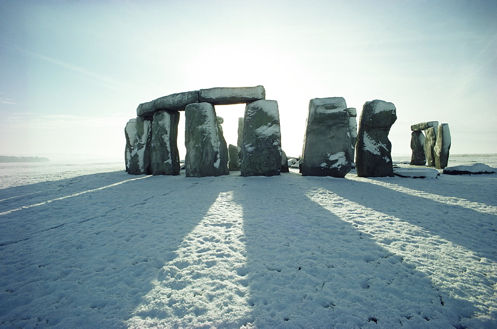 Stonehenge, UNESCO World Heritage Site, in winter snow, Wiltshire, England, United Kingdom, Europe - 508-6701