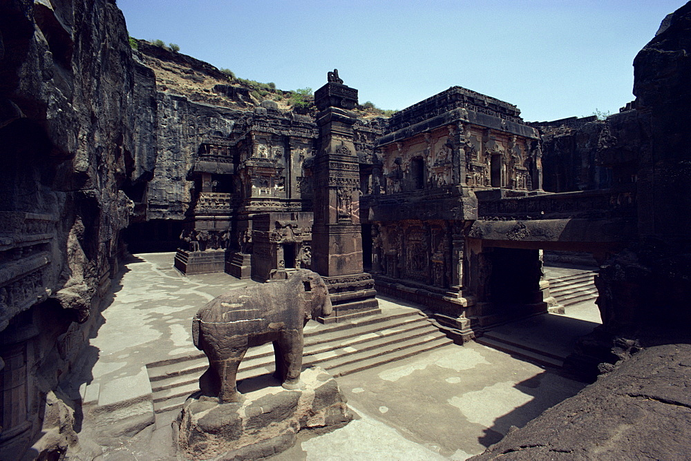 Ellora cliff temples, UNESCO World Heritage Site near Aurangabad, Maharashtra State, India, Asia