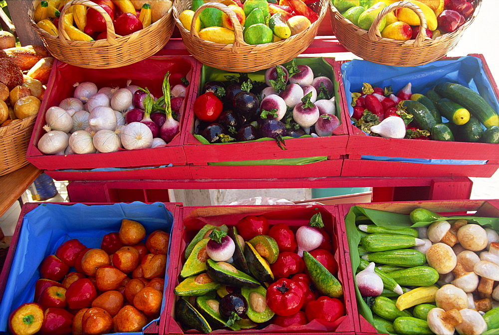 Close-up of vegetables for sale on market stall, Playa del Carmen, Mexico, North America - 526-1686
