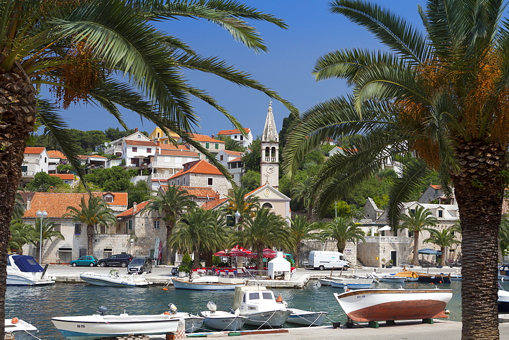 Splitska harbour, Brac Island, Dalmatian Coast, Croatia, Europe - 526-3782