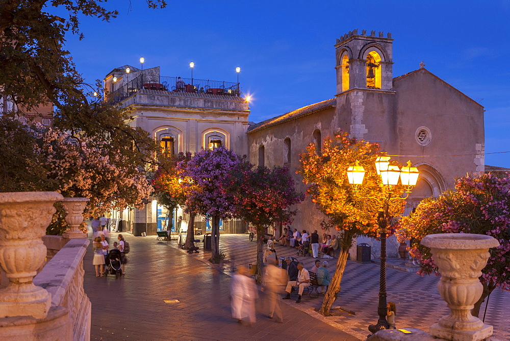 Main Square at dusk, Taormina, Sicily, Italy, Europe - 526-3815