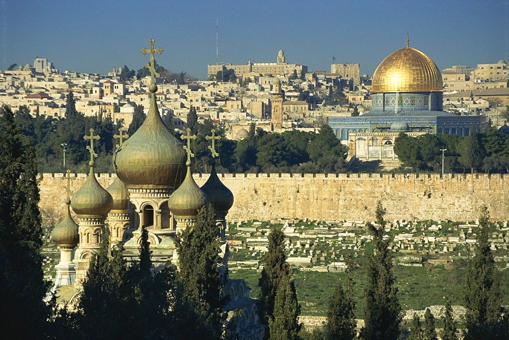 Old town including the church of St. Mary Magdalene and the Dome of the Rock, seen from the Mount of Olives, Jerusalem, Israel, Middle East