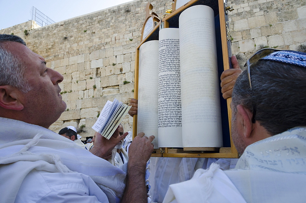 Traditional Cohen's Benediction at the Western Wall during the Passover Jewish festival, Old City, Jerusalem, Israel, Middle East