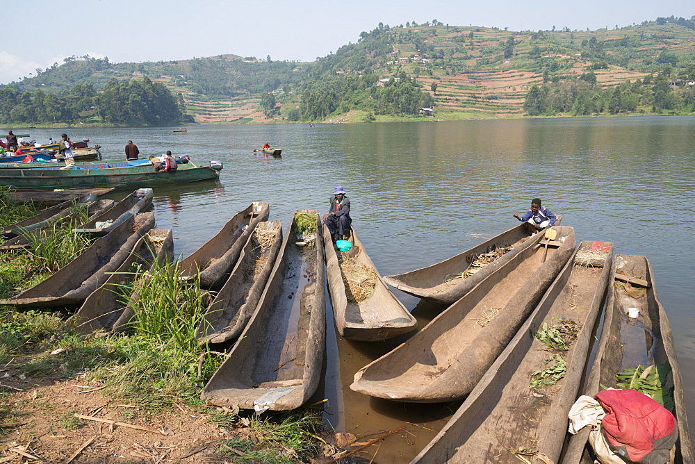 Boat landing at mainland, Lake bunyonyi, Uganda, East Africa