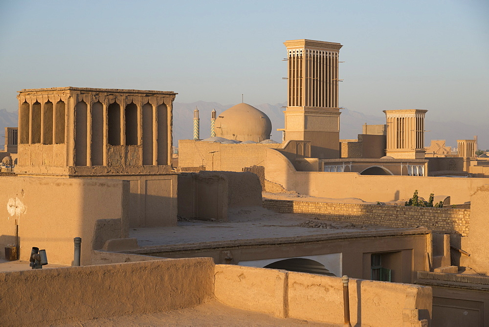 Old City skyline with bagdirs windtowers, Yazd, Iran, Western Asia - 557-3441