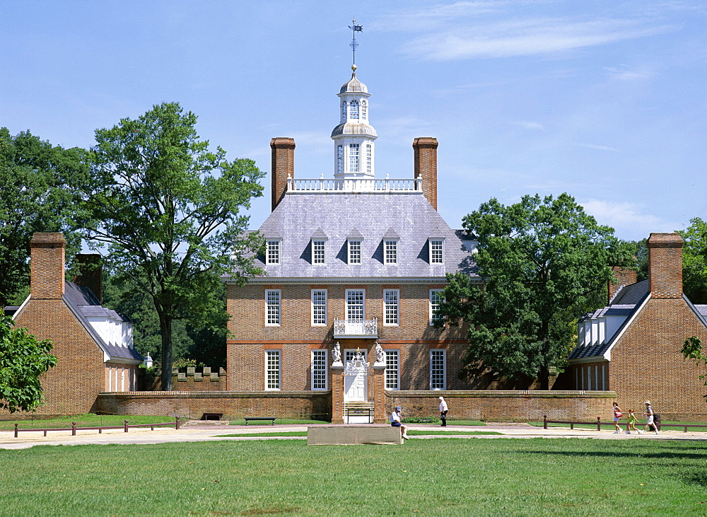 Exterior of Governor's Palace, colonial architecture, Williamsburg, Virginia, United States of America (USA), North America